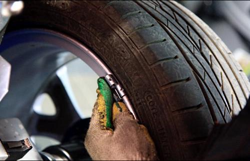 Технология балансировки колес автомобиля своими руками