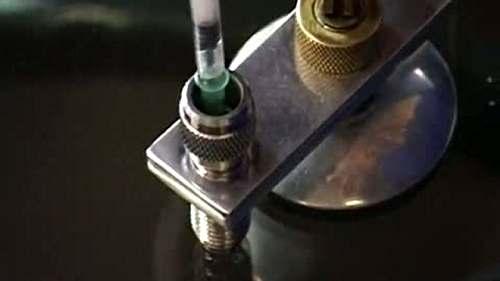 Как отремонтировать сколы на лобовом стекле