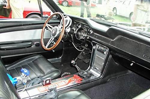 Фото салона Форда Мустанг Шелби GT500 1967 года