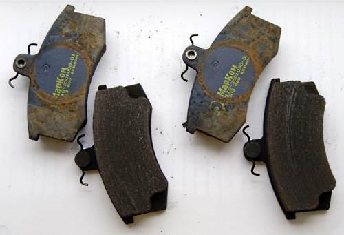 некачественные тормозные колодки