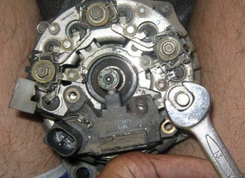 Фото №27 - щетки генератора для ВАЗ 2110