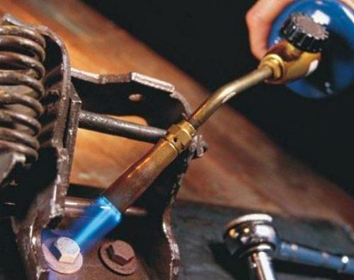 Как открутить прикипевший болт или гайку? 5